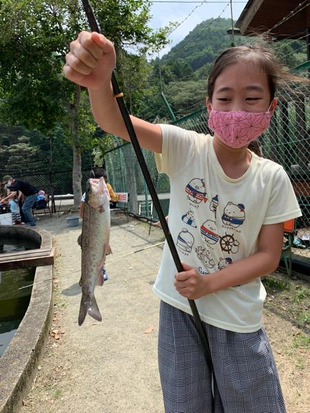 本日のニジマス釣り